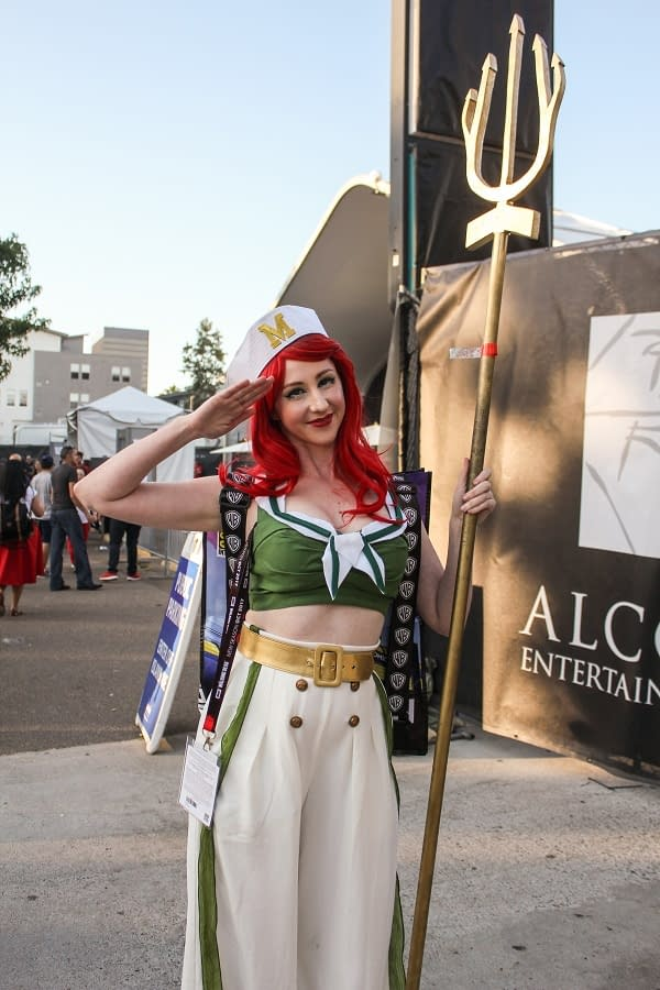 Thursday Cosplay And Hall Shots From San Diego Comic-Con 2017