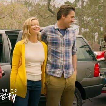 DC's Stargirl | Season 1 Episode 1 | Family Arrives At New Home Scene | The CW