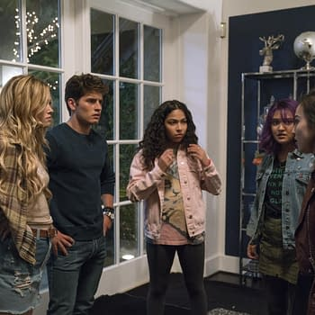 Runaways Season 1: Promotional Pictures And Episode Synopses For The 3-Episode Premiere