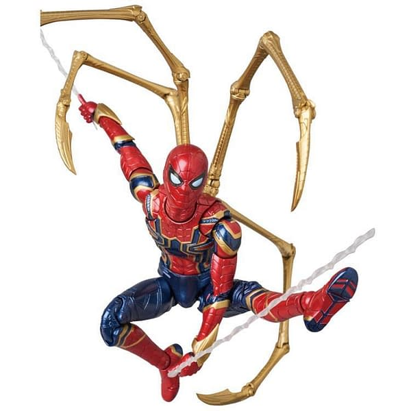 MAFEX Iron Spidey Infinity War 4
