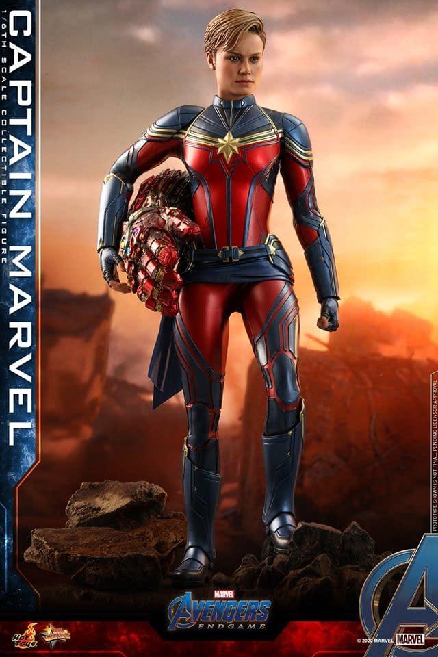 Avengers: Endgame Hot Toys Captain Marvel Figure