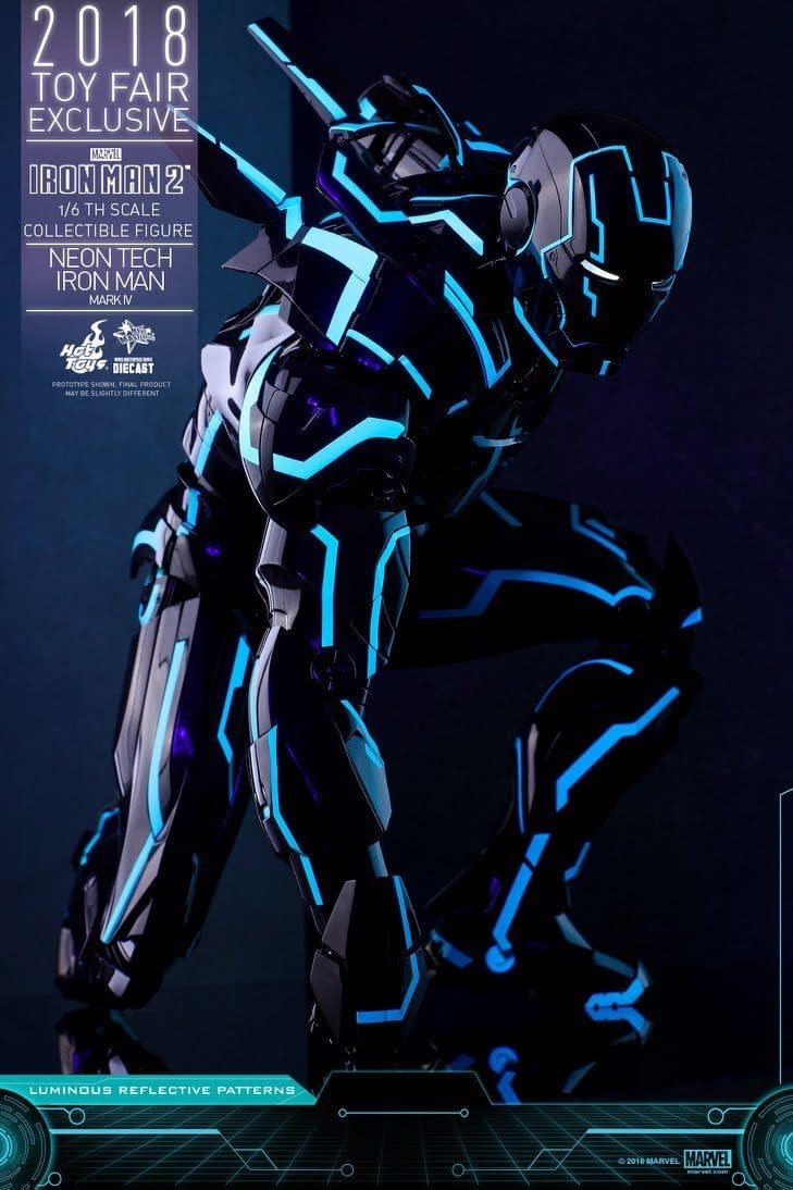 Hot Toys Neon Armor Tech Iron Man 11
