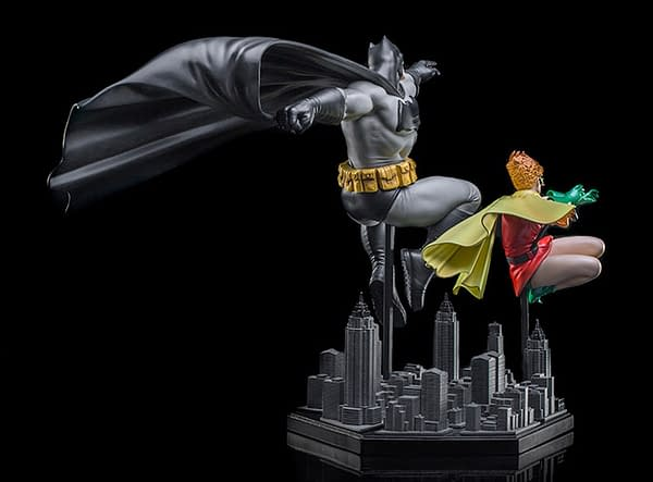 Dark Knight Returns Gets Iconic Statue from Iron Studios