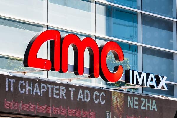 20 sept. 2019 San Francisco / CA / USA - Logo AMC IMAX au-dessus de l'entrée et du box-office au centre-ville de San Francisco. Crédit éditorial: Photographie diversifiée / Shutterstock.com