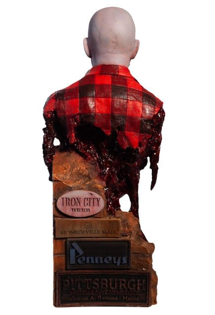 Dawn-of-the-Dead-Airport-Zombie-Bust-005