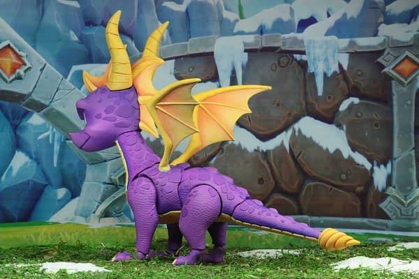 NECA Spyro The Dragon Figure 2