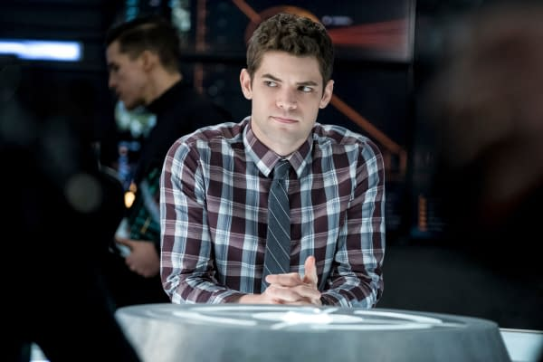 Jeremy Jordan Thanks the Fans, Cast and Crew of Supergirl