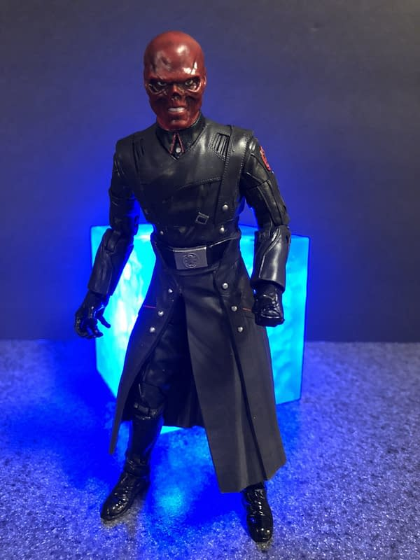 Marvel Legends SDCC Exclusive Red Skull and Tesseract 10