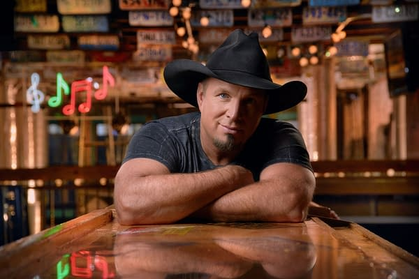 Garth Brooks Joins Words with Friends Live