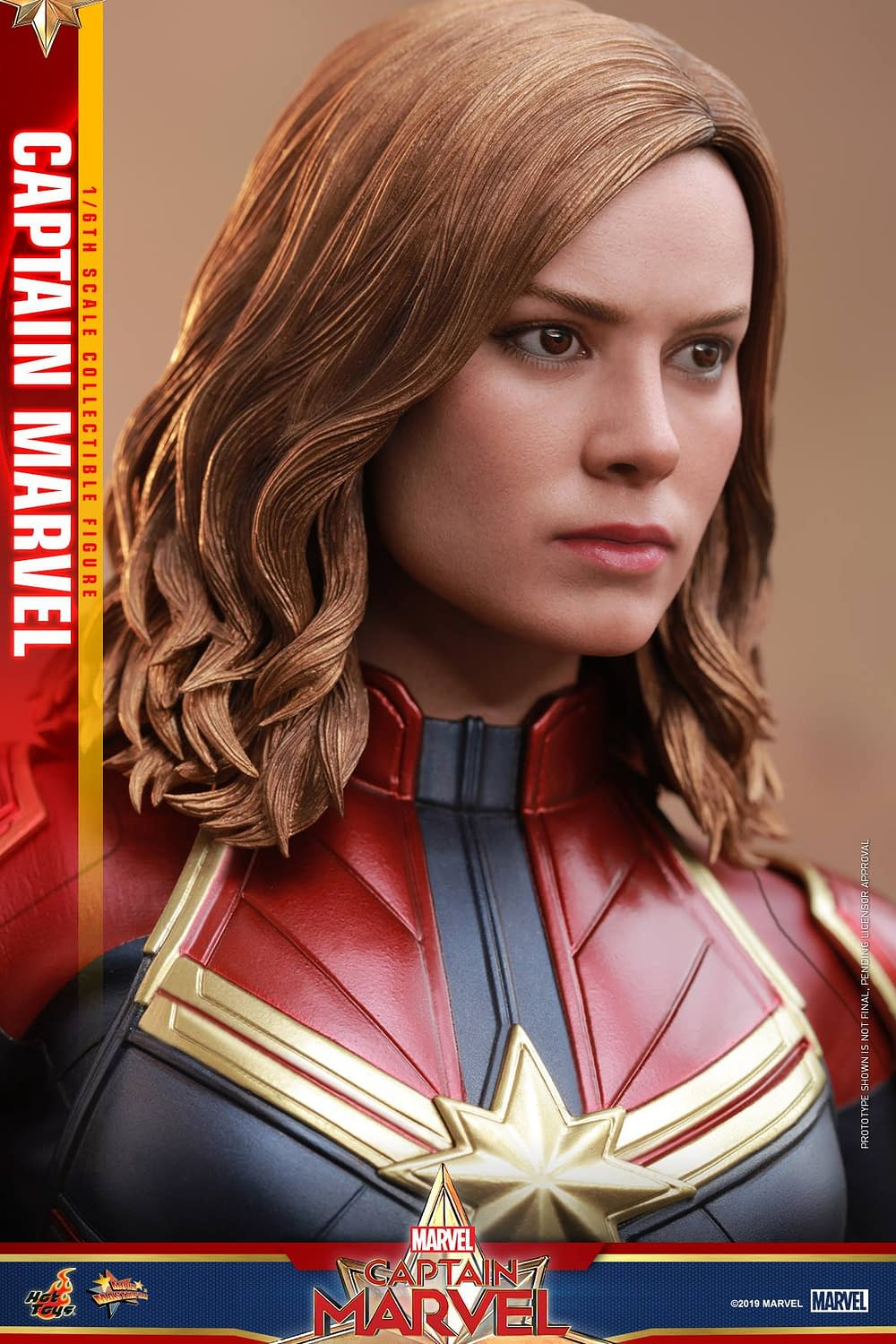Hot Toys Captain Marvel 14