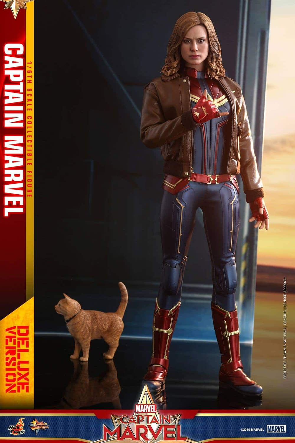 Hot Toys Captain Marvel 16