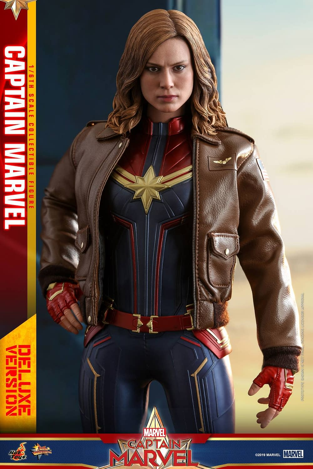Hot Toys Captain Marvel 19