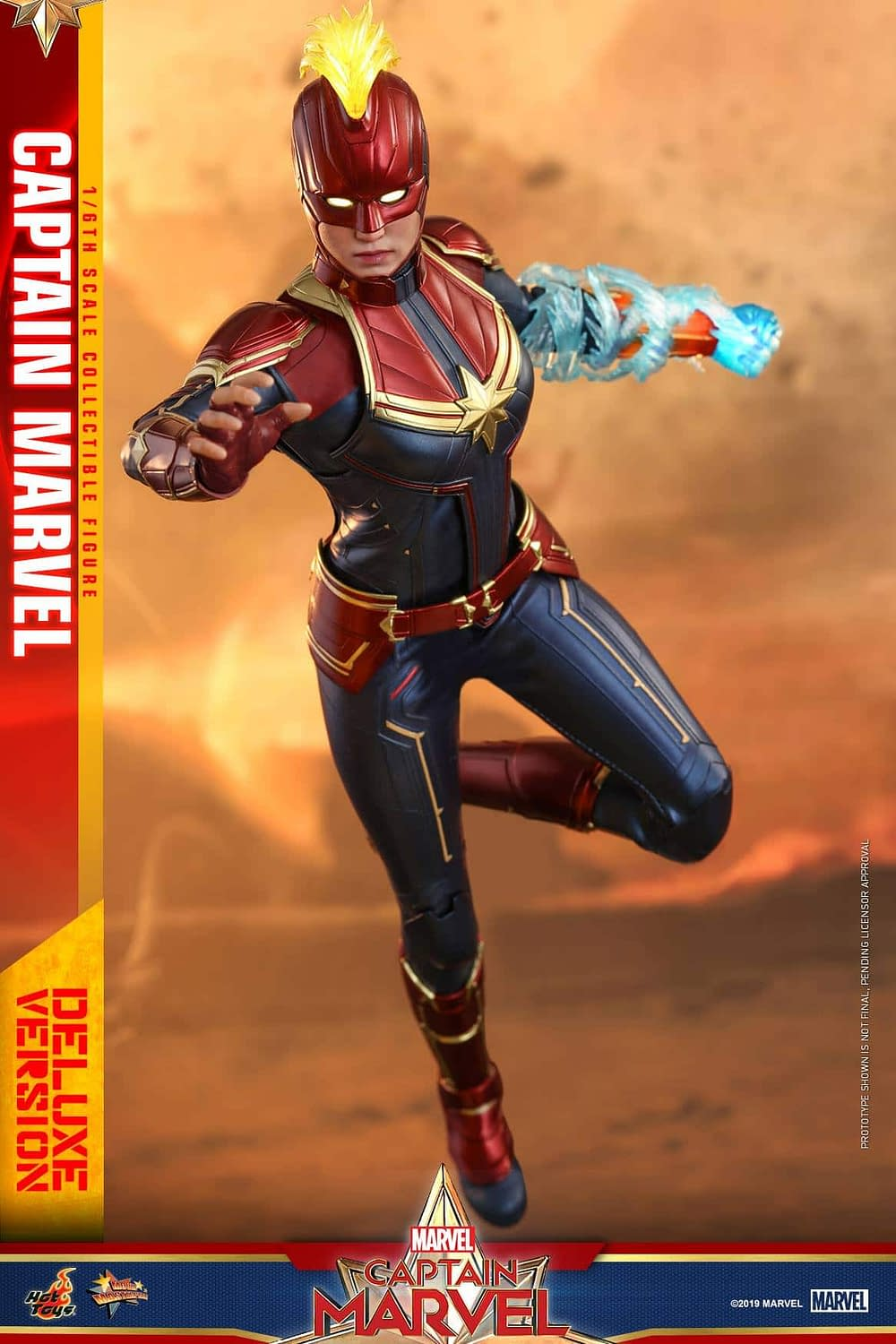 Hot Toys Captain Marvel 22