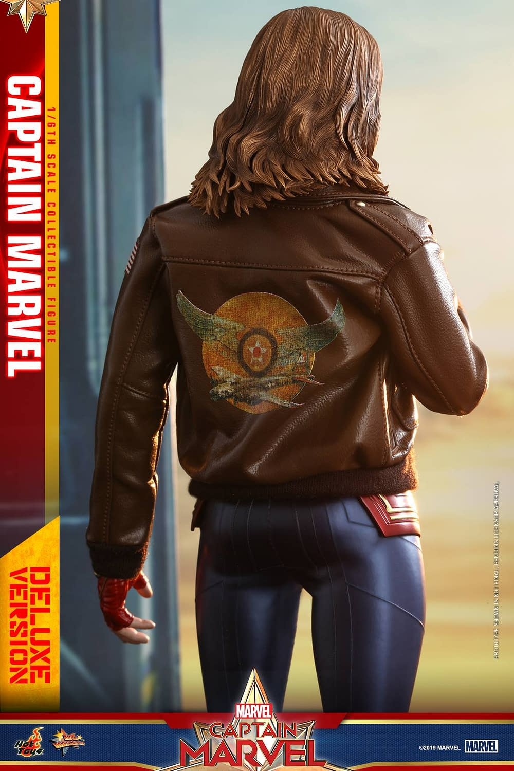 Hot Toys Captain Marvel 25