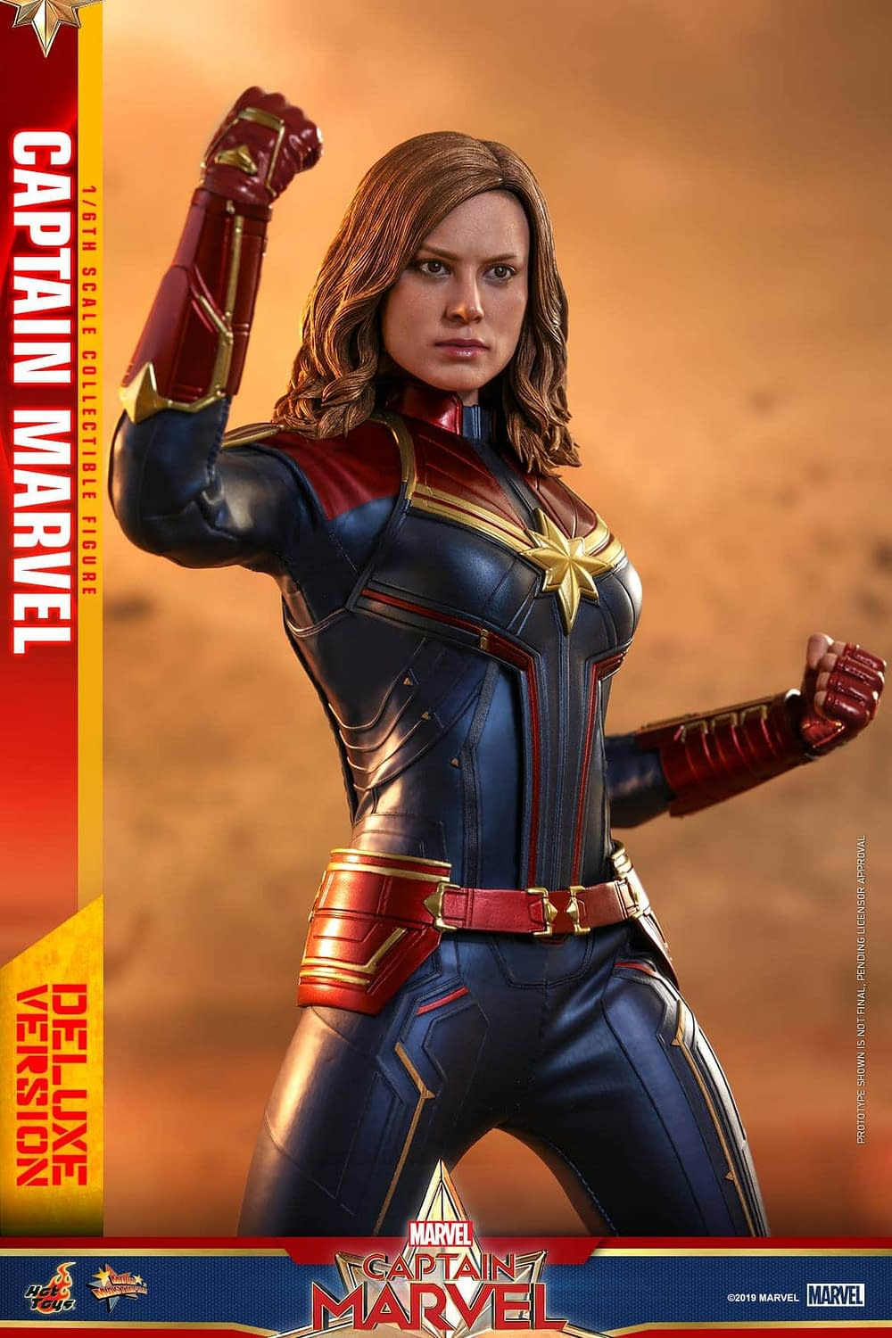 Hot Toys Captain Marvel 26