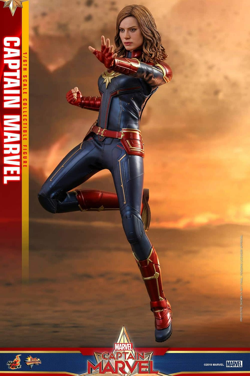 Hot Toys Captain Marvel 4