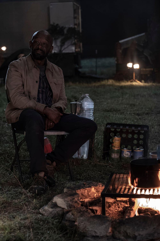 """""""Fear the Walking Dead"""" Season 5 """"Channel 5"""": Al's Not a Fan of Ginny's """"Tomorrow"""" [OPENING MINUTES]"""