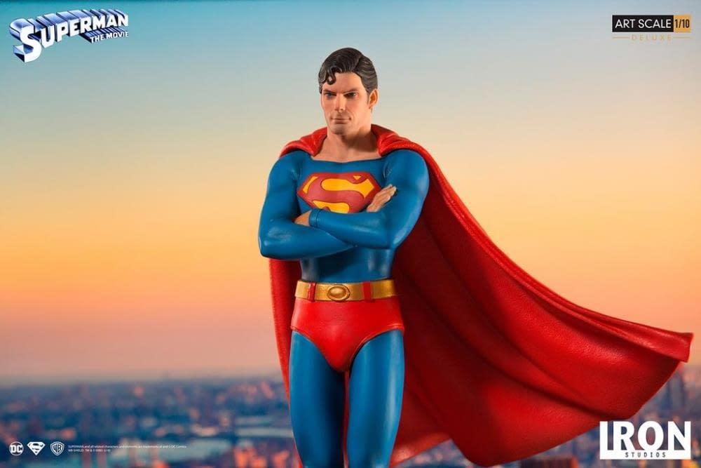 Iron Studios Superman Statue 10