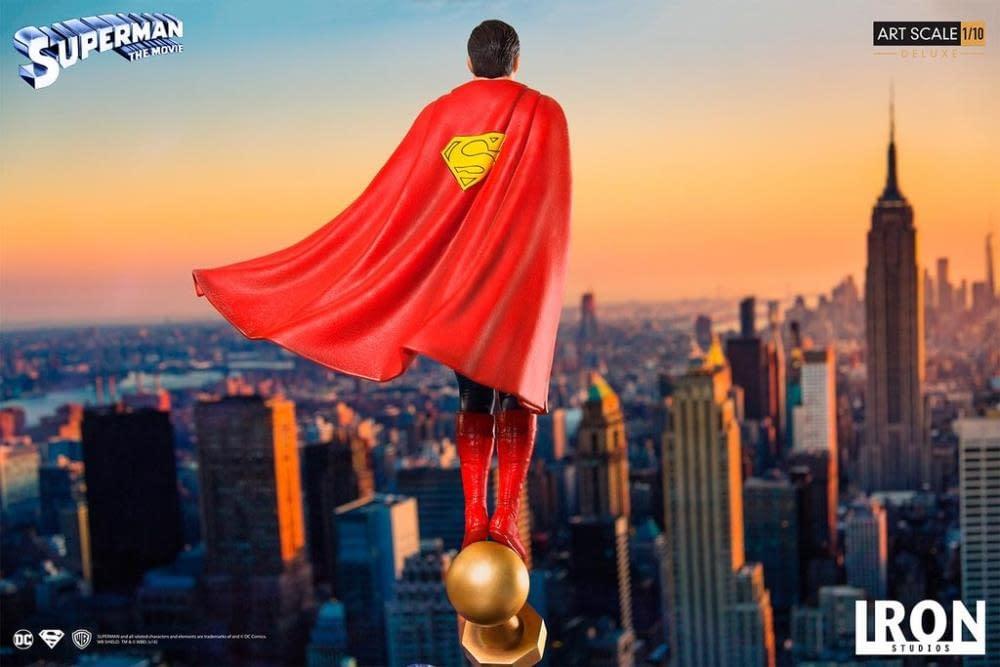 Iron Studios Superman Statue 9