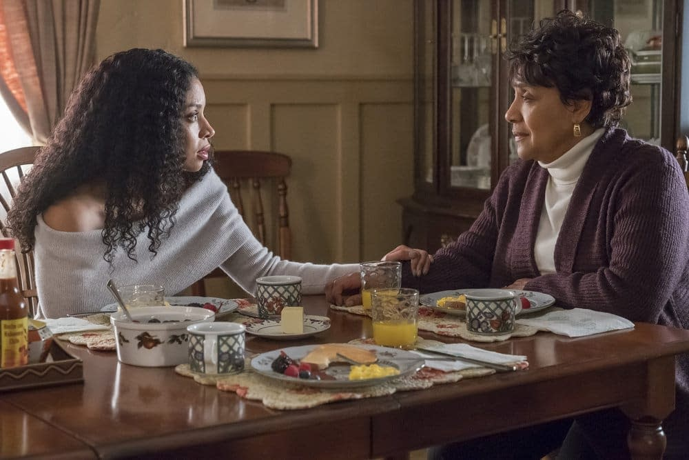 """'This Is Us' Season 3, Episode 13 """"Our Little Island Girl"""": A Gift for Beth, 'Timeless' Fans [PREVIEW]"""