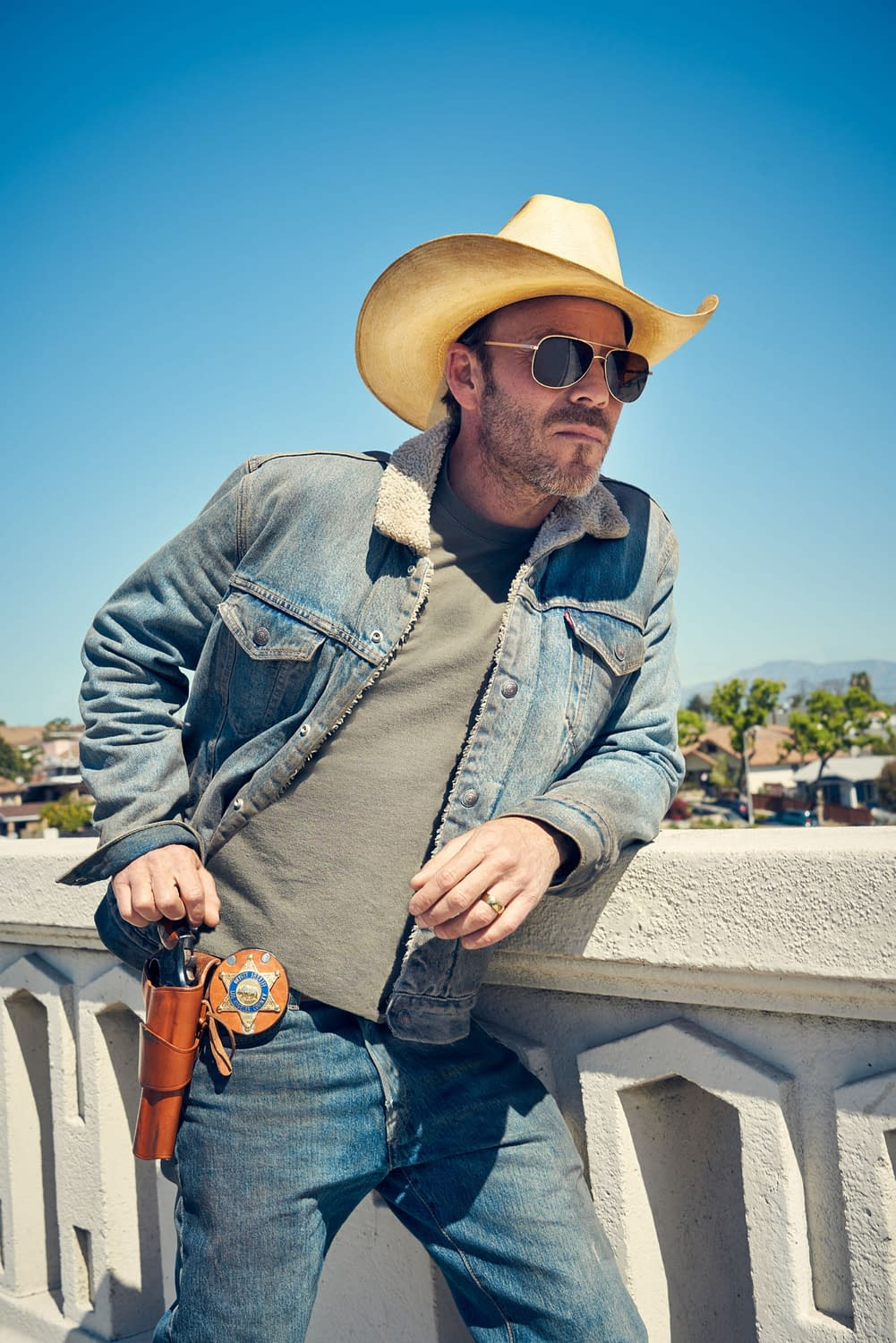 """Deputy"" Finds Stephen Dorff's Bill Hollister Balancing Shootouts & Staff Meetings [PREVIEW]"