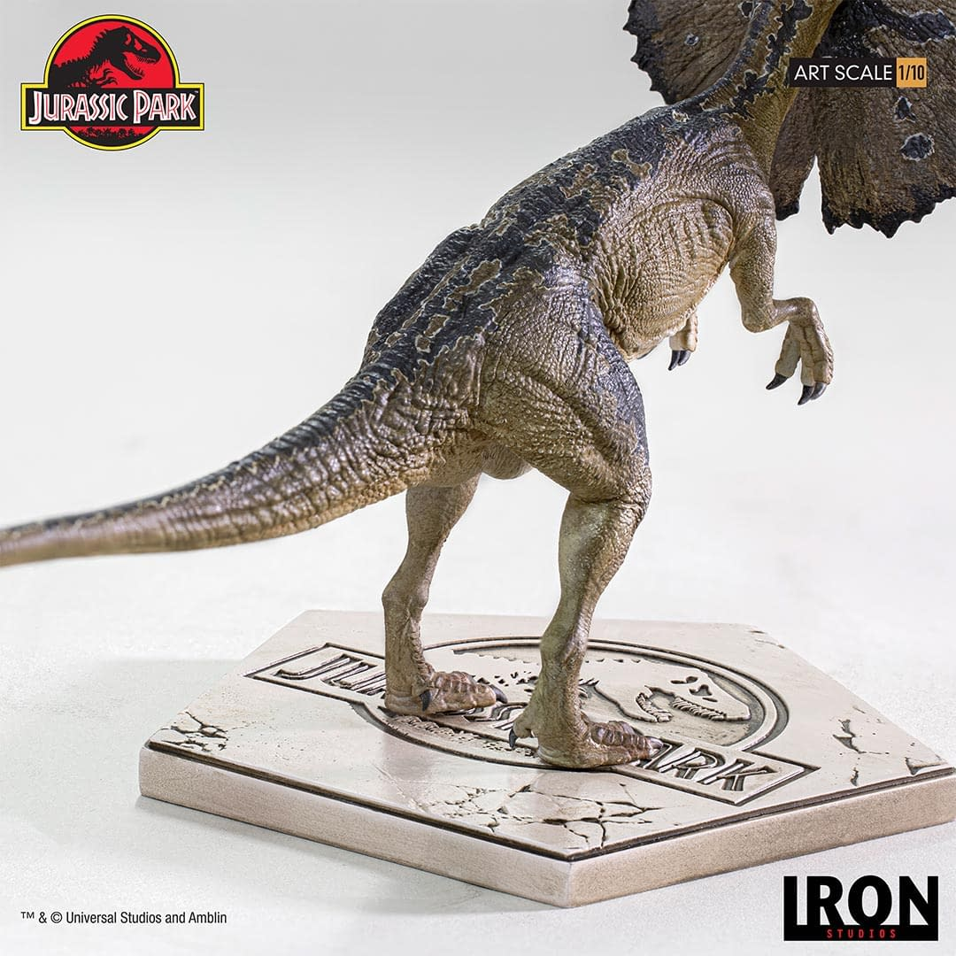 Jurassic Park Dilophosaurus has Escaped in New Iron Studios Statue