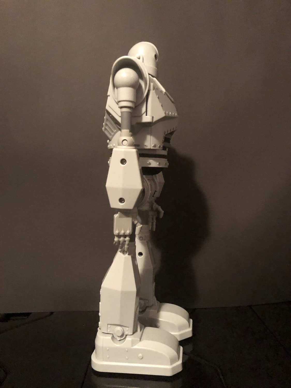 """""""The Iron Giant"""" Stands Tall With New Walmart Exclusive Goldlok Figure"""