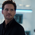 Supergirls Peter Facinelli Joins The Cast Of S.W.A.T.