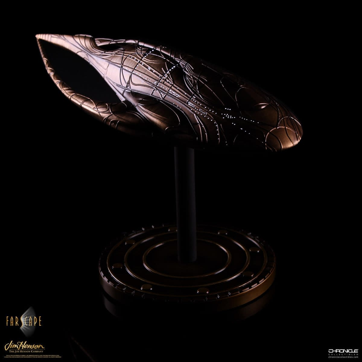 """Farscape"" Fans Rejoice with the Statue of Moya Coming Soon"