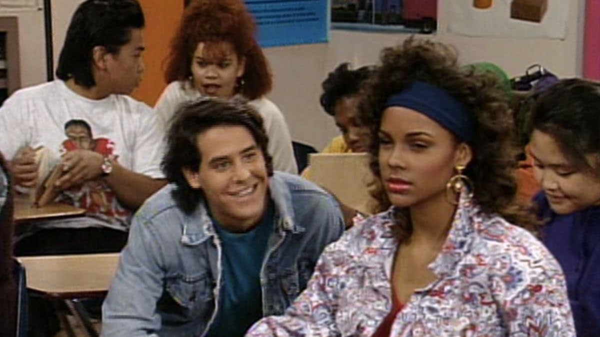 """Saved by the Bell"": Lark Voorhies ""Feels Slighted"" By Sequel Series Ghosting"