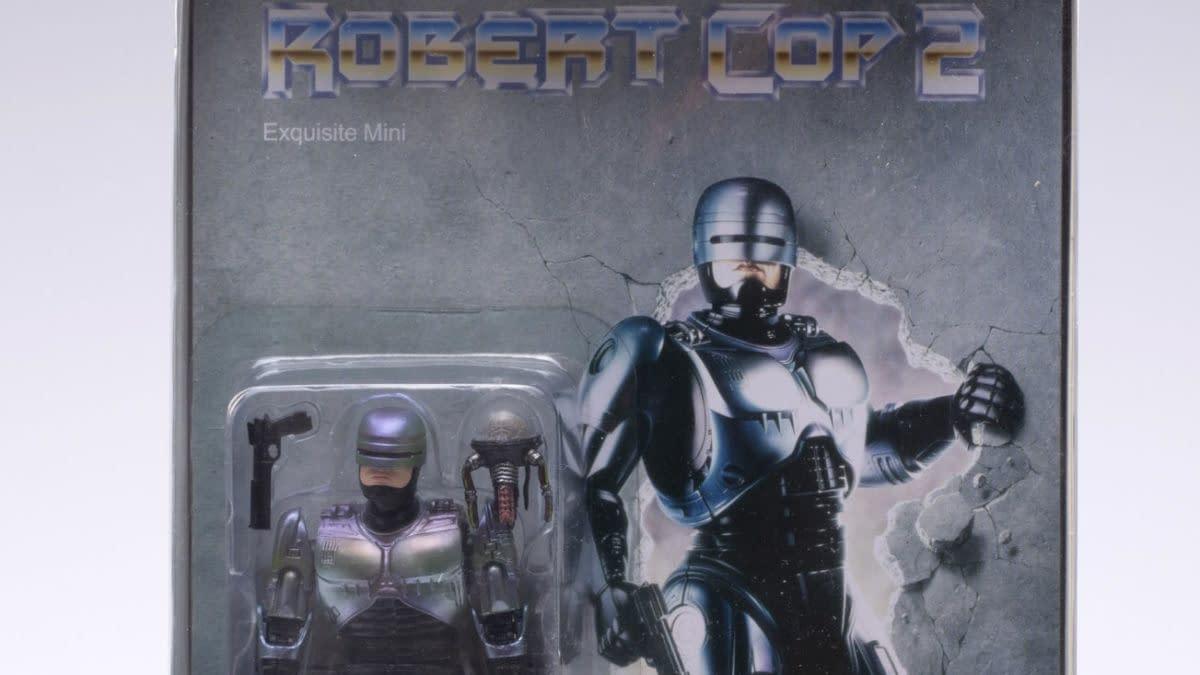 """Hiya Toys Announces RoboCop 2 """"Robert Cop"""" Bootleg SDCC Release"""