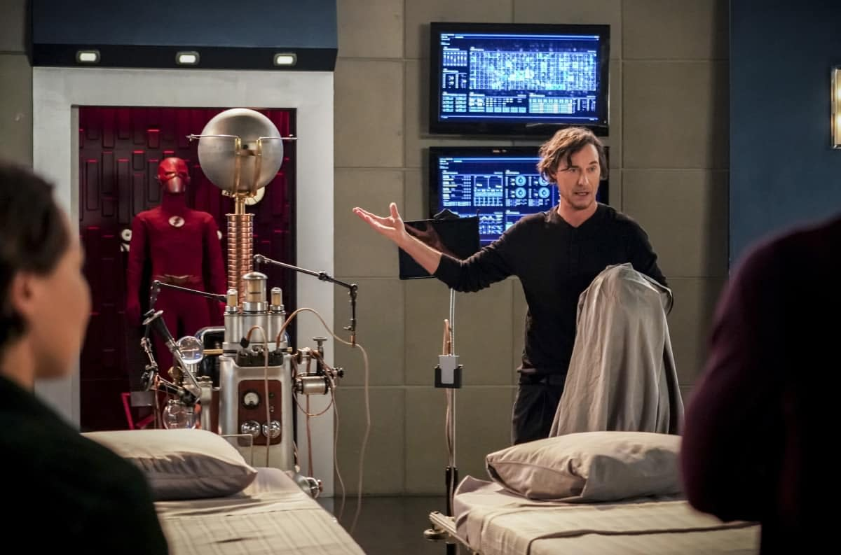 "'The Flash' Review: ""Memorabilia"" Reveals Secrets, Perceptions, and Lies [SPOILERS]"