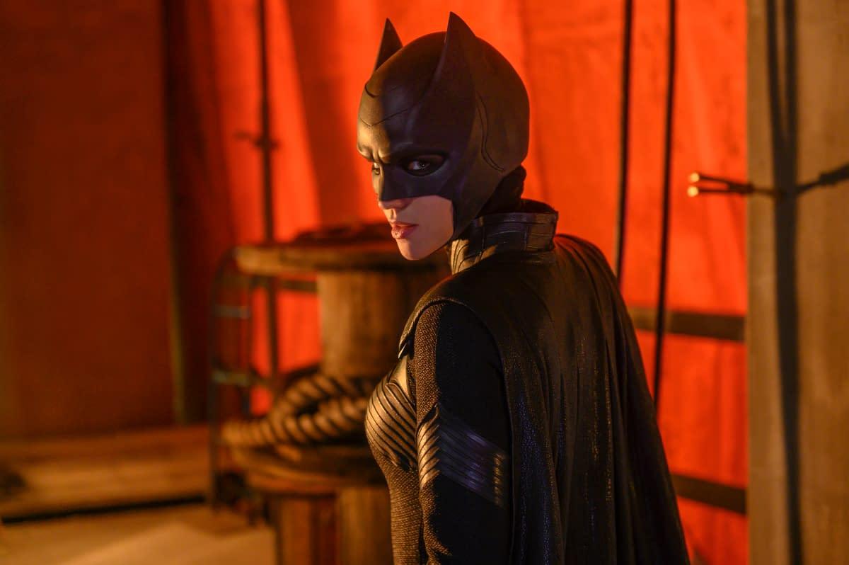 """Batwoman"": Sorry, Kate – Rachel Skarsten's Alice Has OTHER Plans for Gotham [PREVIEW]"