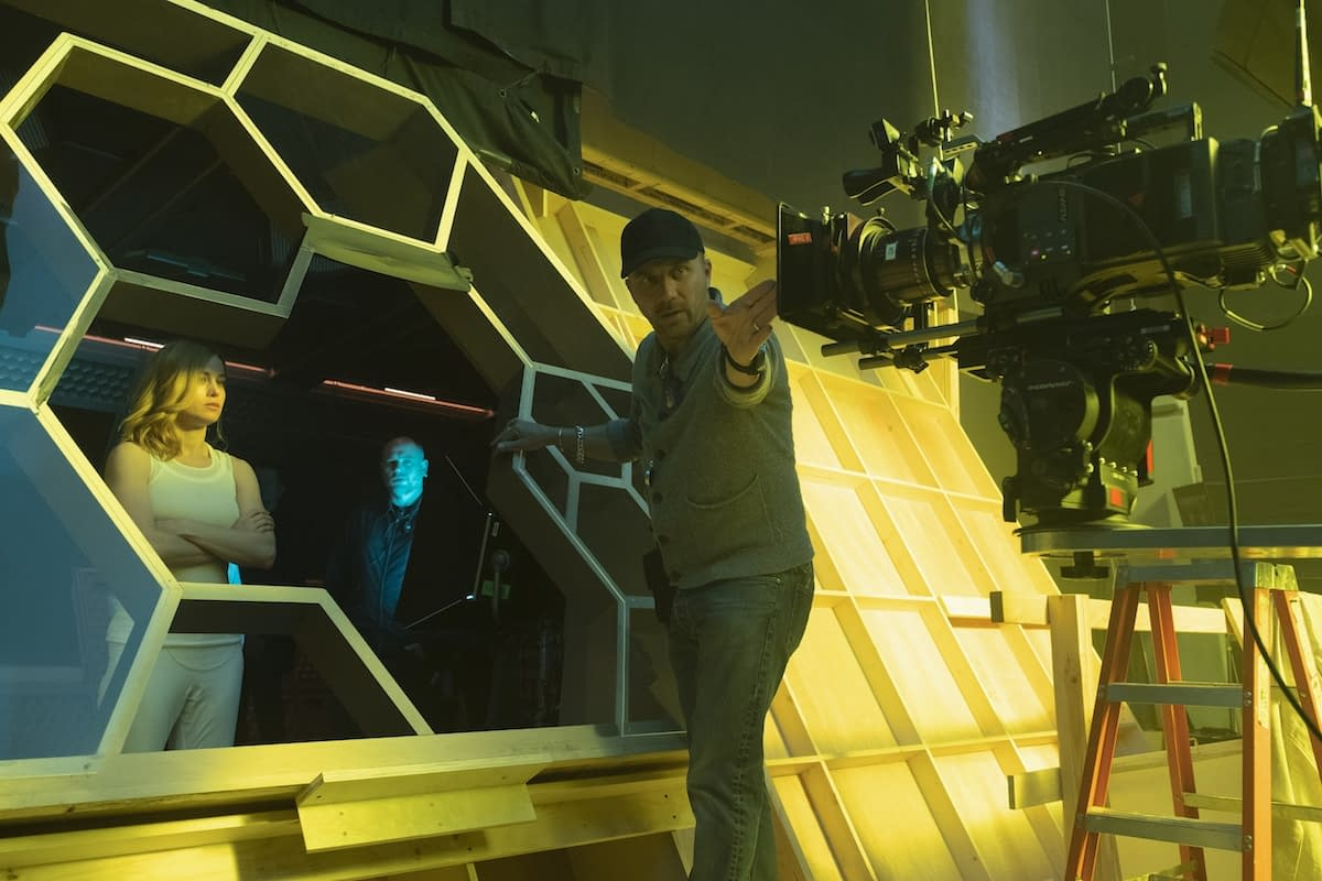 Captain Marvel: 3 Behind-the-Scenes Pictures Plus the Cinematographer Talks Shooting a '90s Movie
