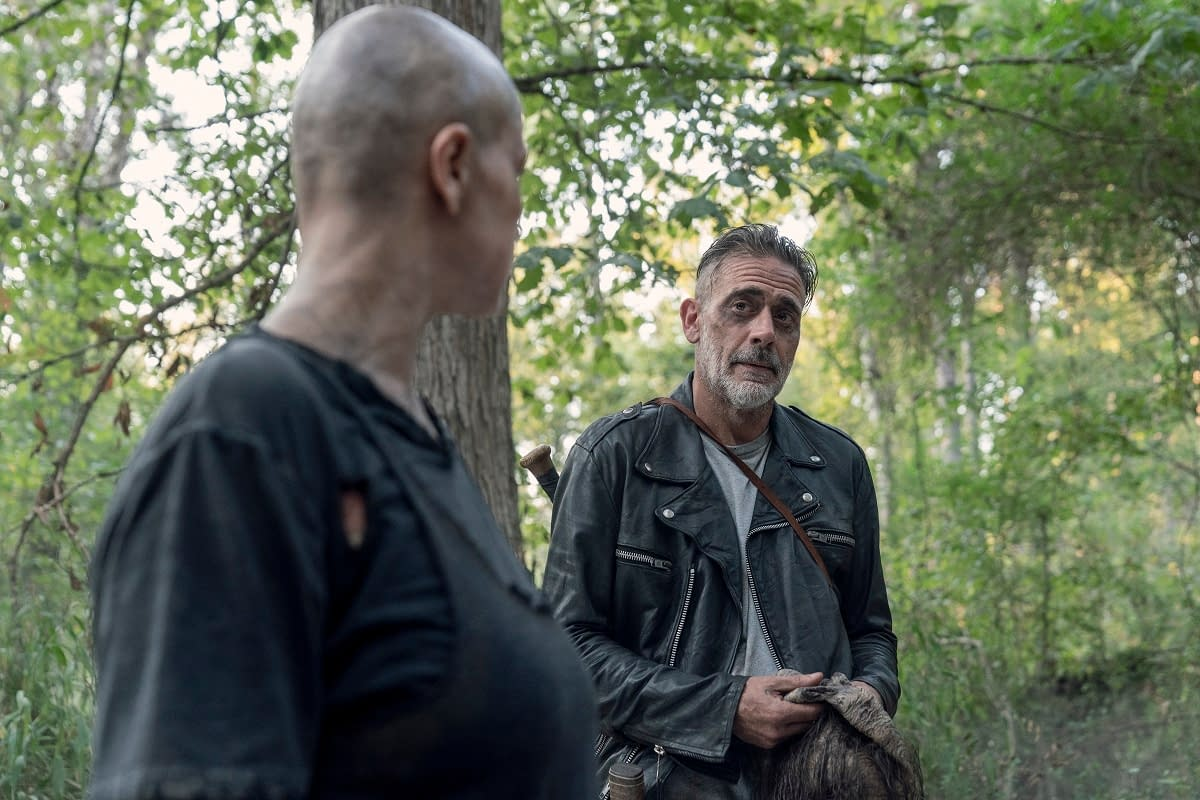 """""""The Walking Dead"""" Finds Negan Looking a Little """"Fiendish"""" During """"Morning Star"""" Opening Minutes [VIDEO]"""