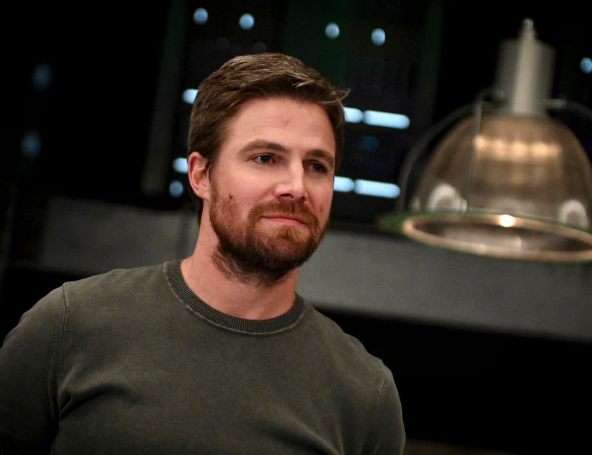 """Heels"": Stephen Amell Wants To Be Part of Our Daily IG Lives – Starting Today!"