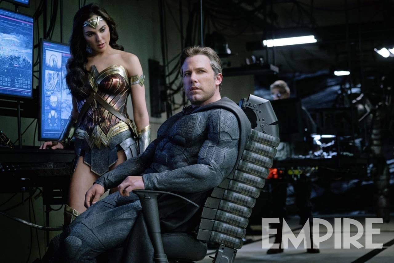 "Gal Gadot: ""Justice League Is Not A Dark Or Heavy Movie"""