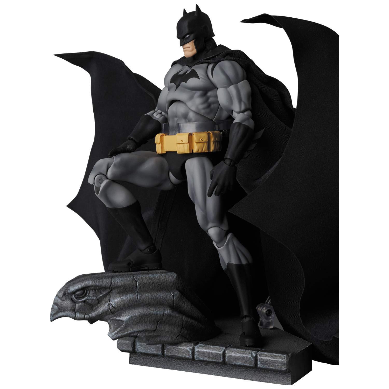 MAFEX-Batman-Hush-Black-Suit-Version-001