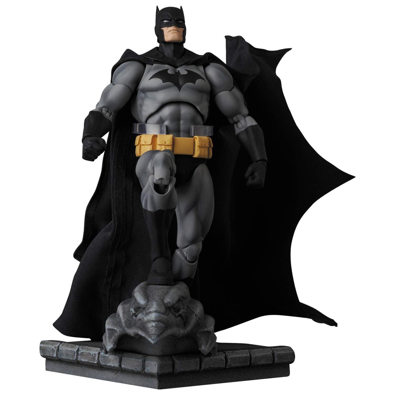 MAFEX-Batman-Hush-Black-Suit-Version-002