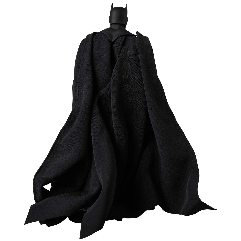 MAFEX-Batman-Hush-Black-Suit-Version-007
