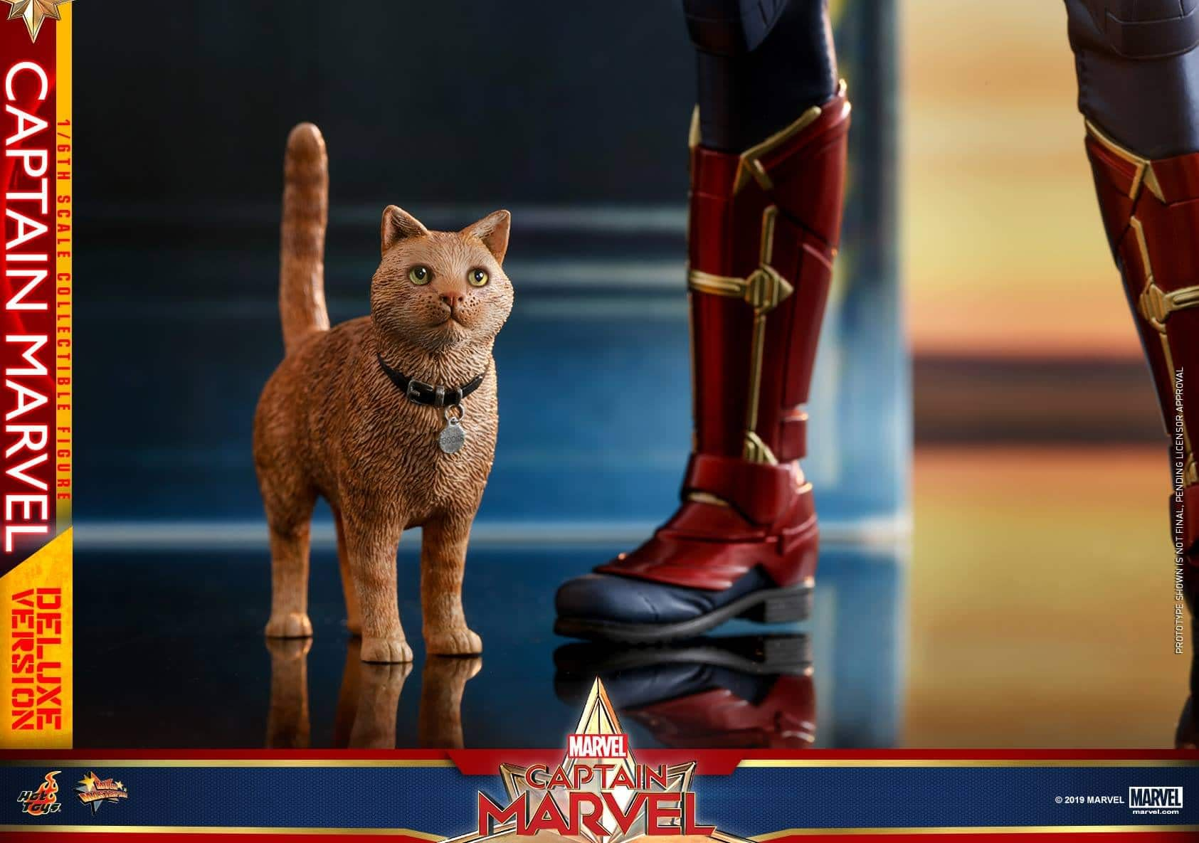 Hot Toys Captain Marvel 18