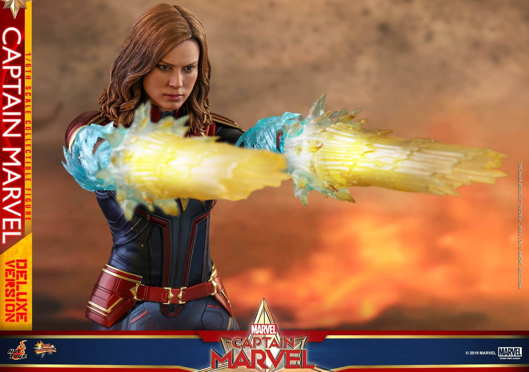 Hot Toys Captain Marvel 20