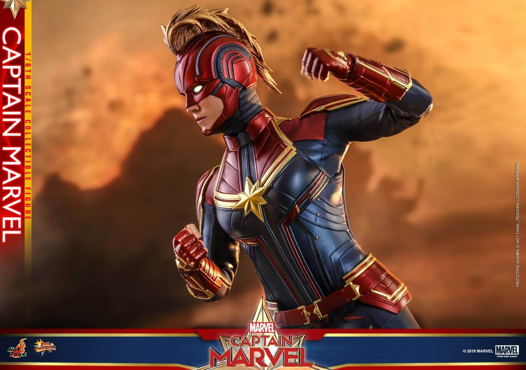 Hot Toys Captain Marvel 7