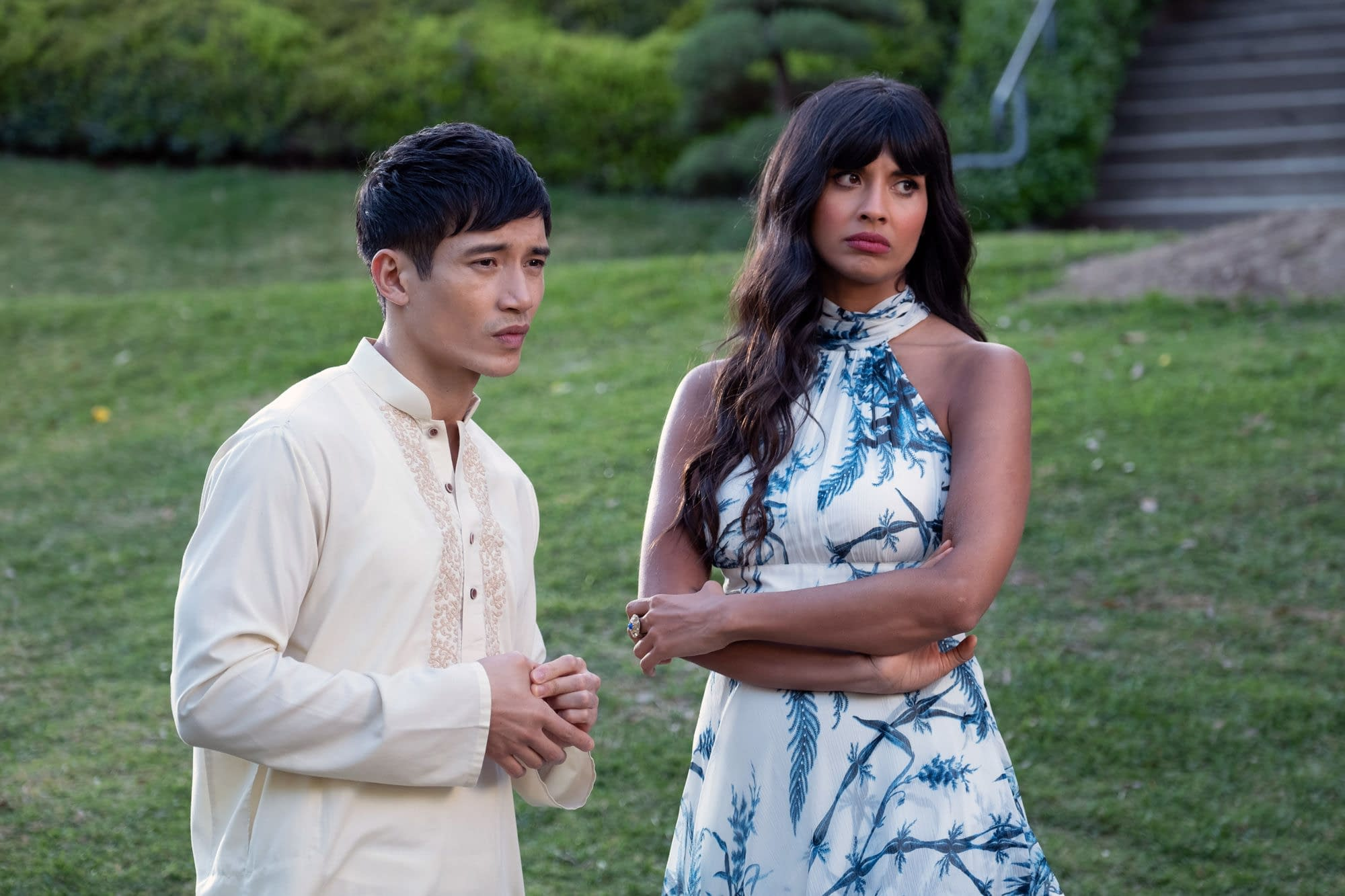 """""""The Good Place"""" Season 4: """"Disco Janet"""" and the Secret to Stonehenge Would Impress Us, Linda [SNEAK PREVIEW]"""