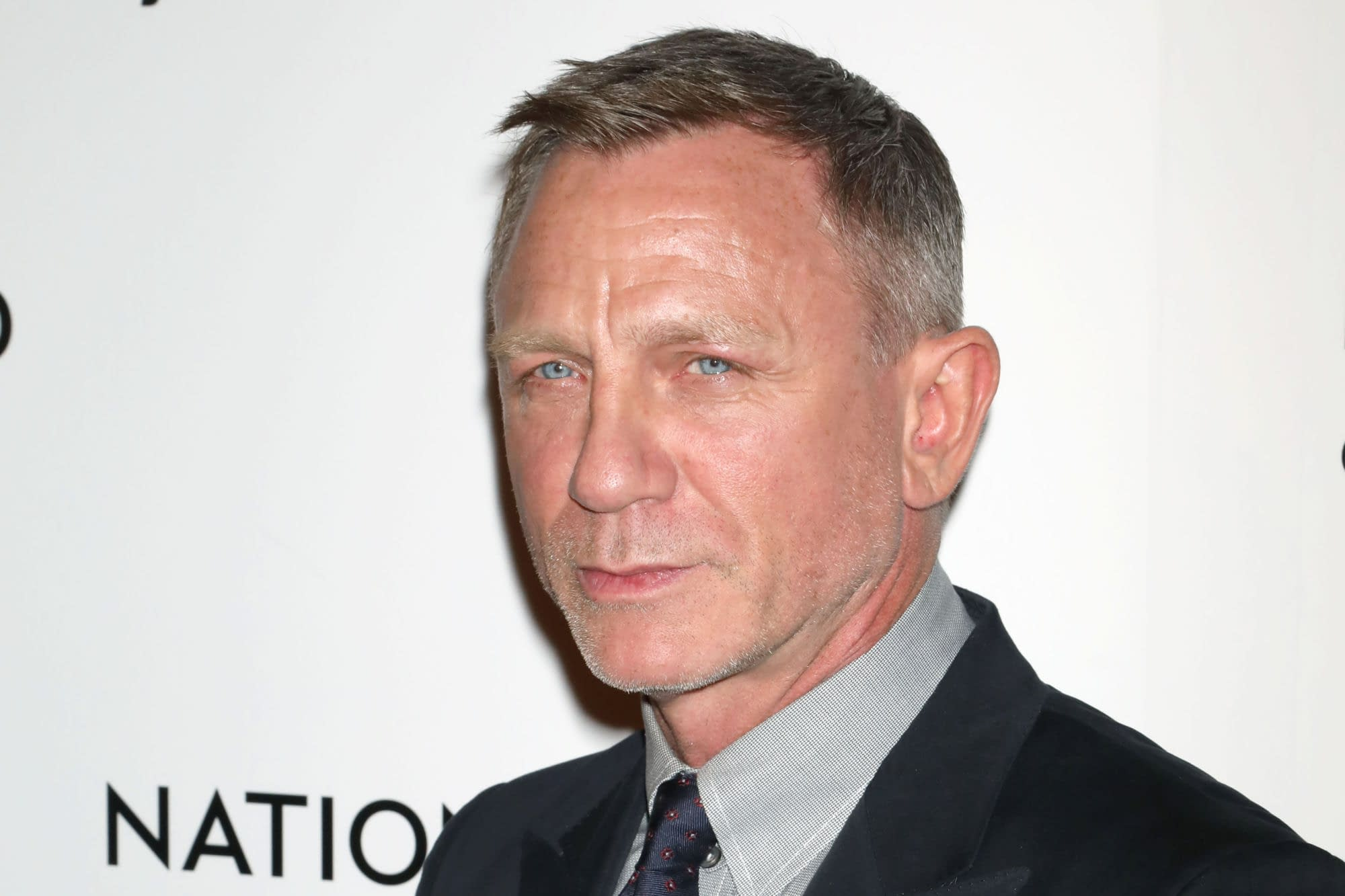 """""""No Time To Die"""": Daniel Craig Says They Struggled to Keep Trump out of the Movie"""