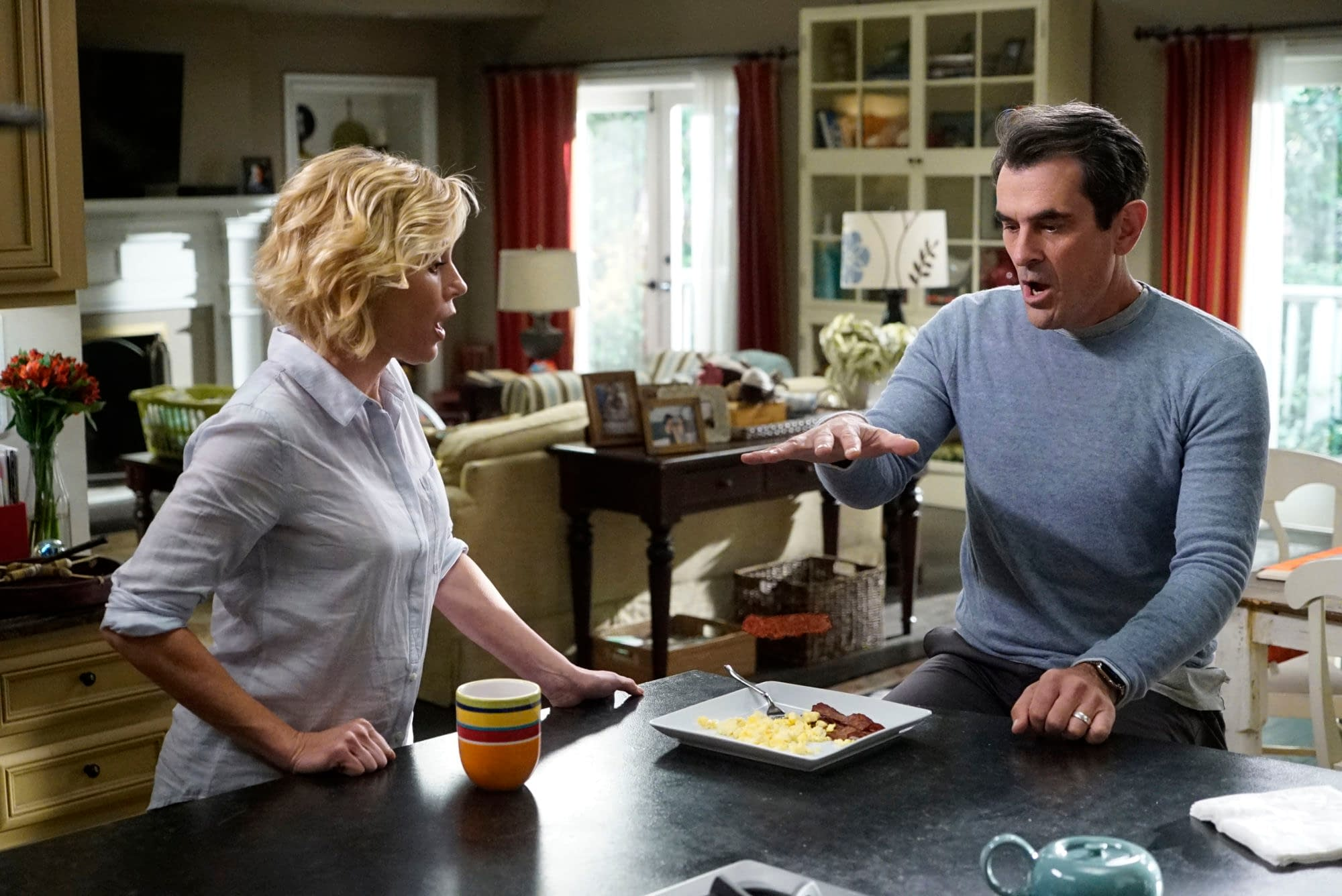 """Modern Family"" Season 11 ""Tree's A Crowd"": Is The Dunphy Family Tree About to Get More Branches? [PREVIEW]"