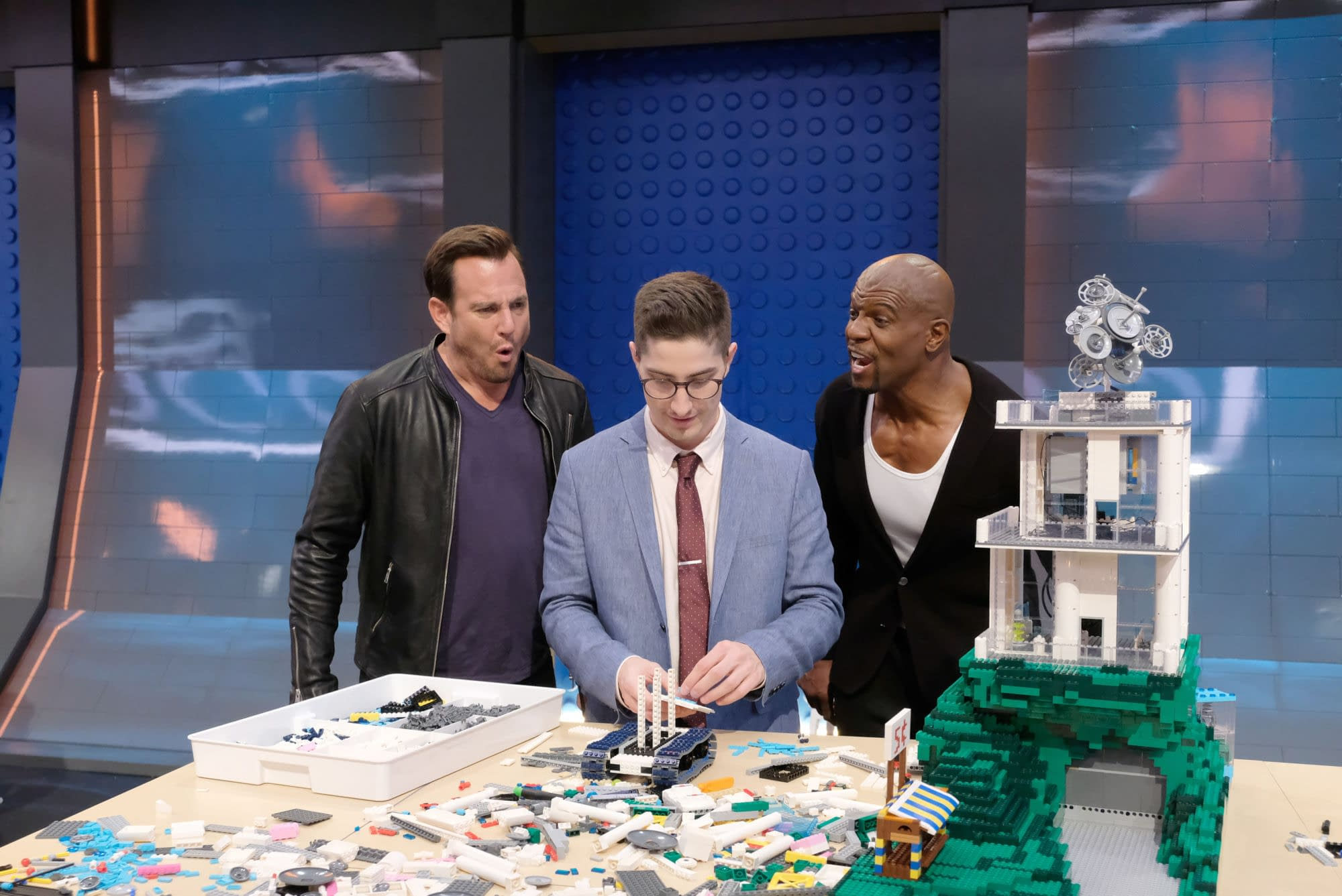 """LEGO Masters"" Featuring ""Star Wars"" Theme; Guest Stars Mayim Bialik, Terry Crews, R2-D2 & More [PREVIEW]"
