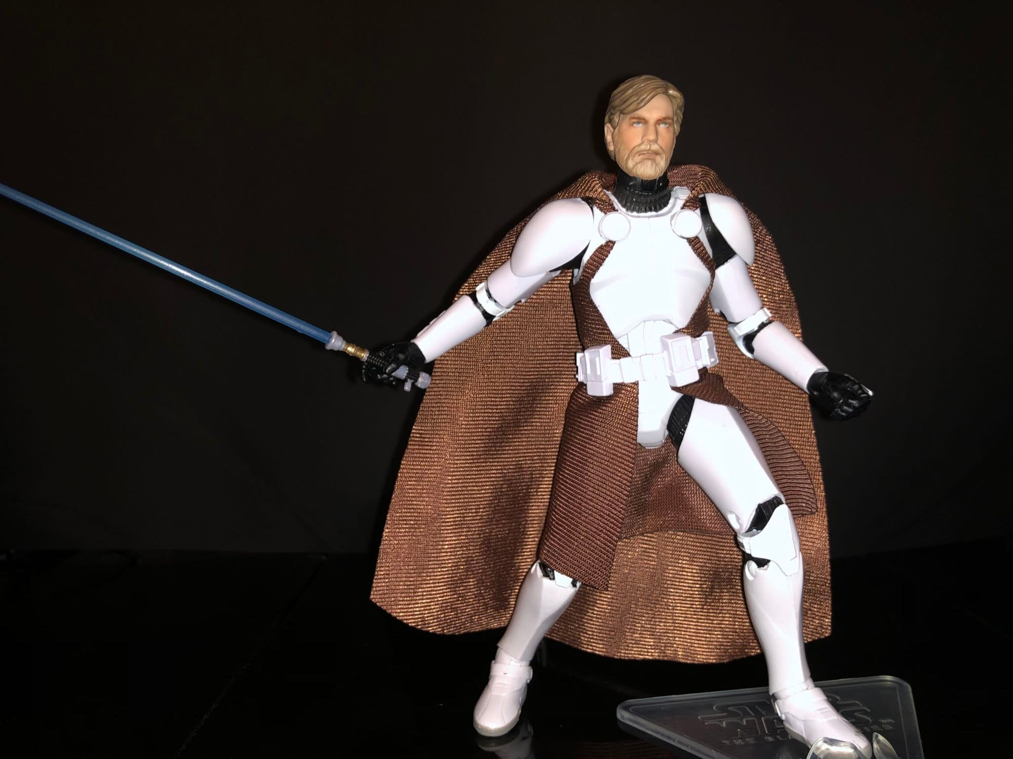 Clone Commander Obi-Wan Kenobi Joins the Battlefield [Review]