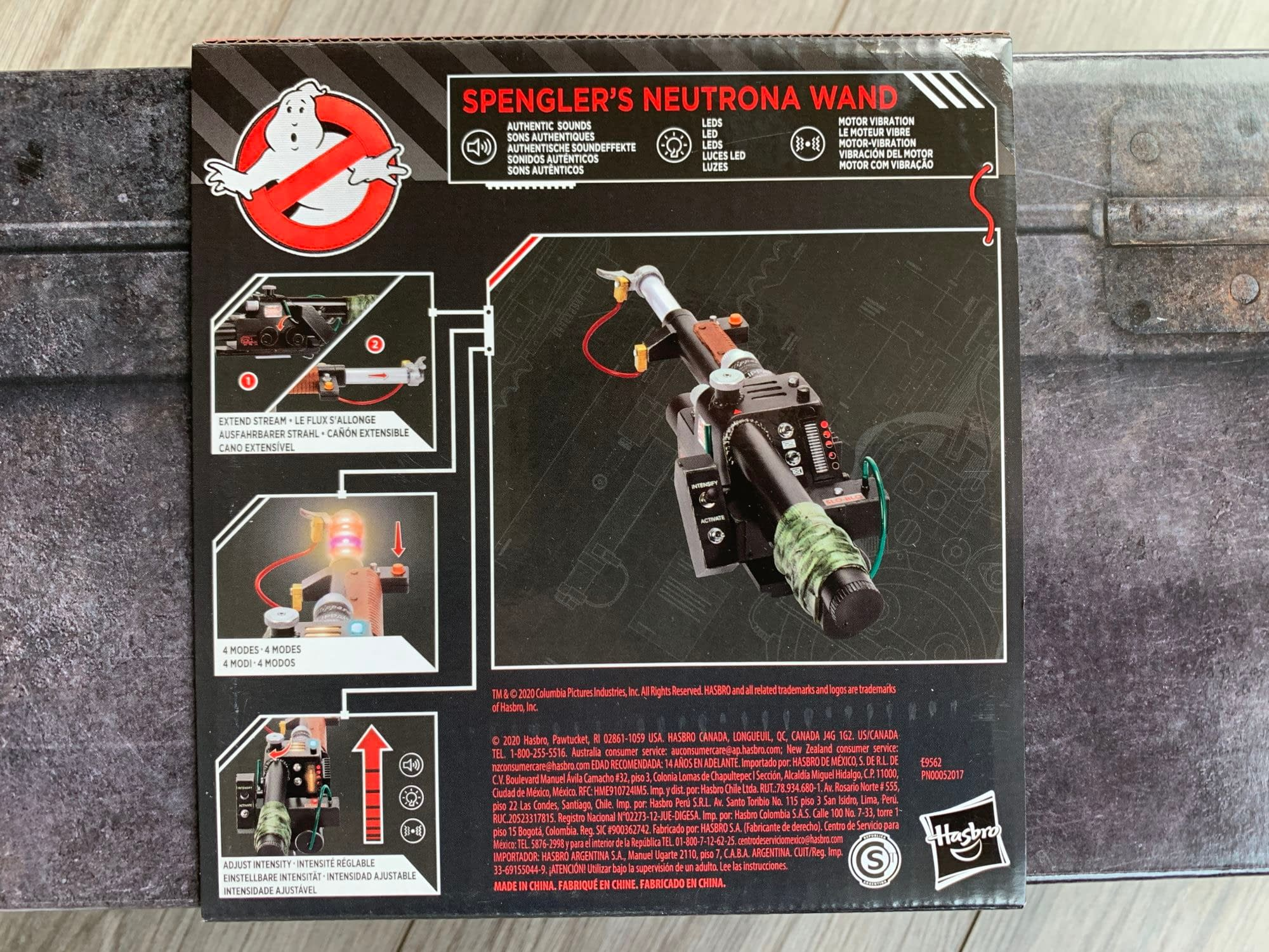 Let's Look At Hasbro's New Ghostbusters Plasma Series Neutrona Wand