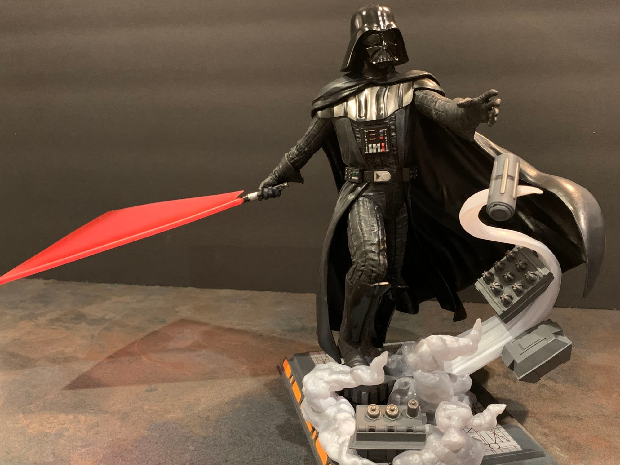 Let's Take A Look At Diamond Select's New Darth Vader Gallery Statue